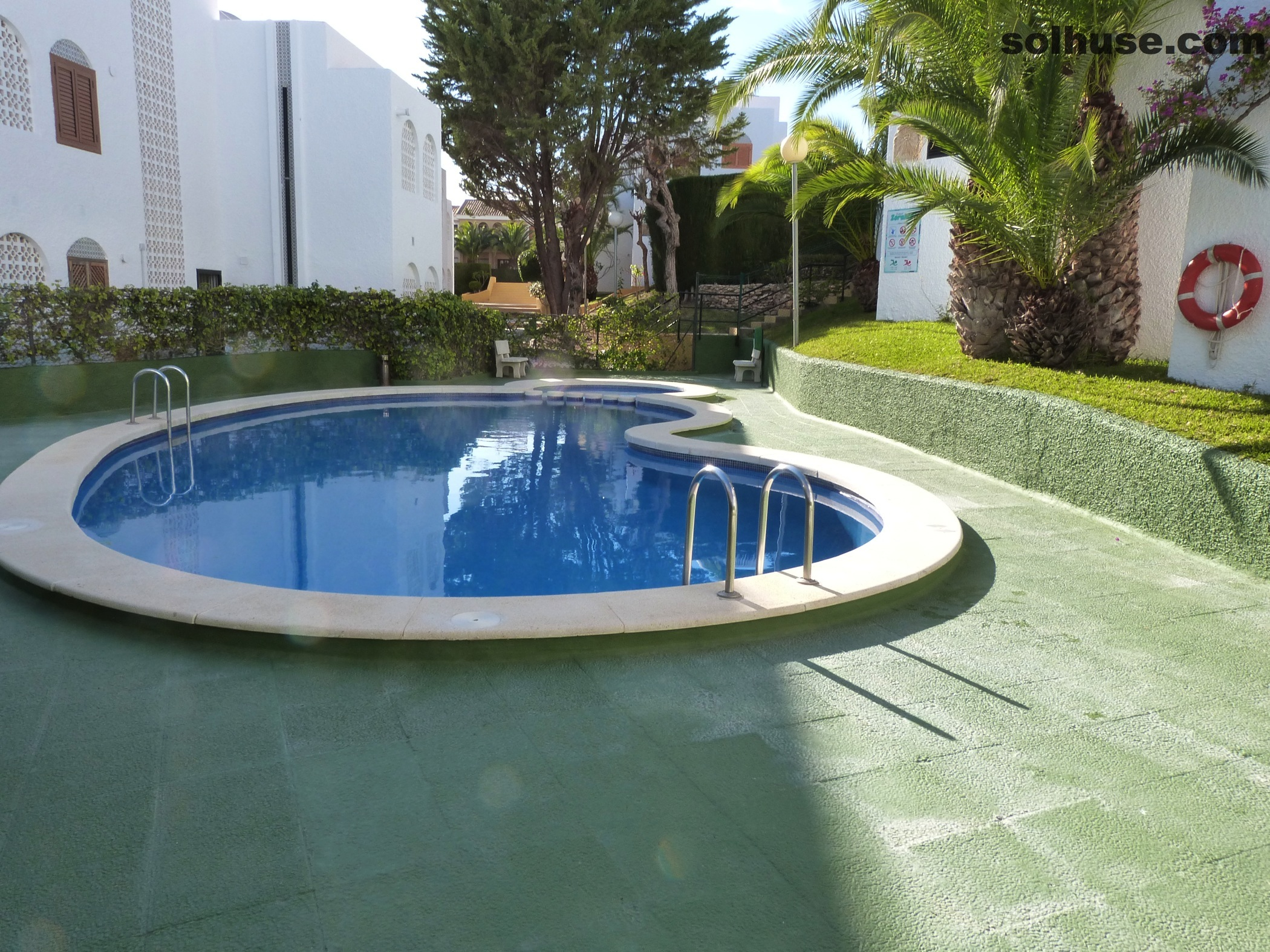 IMMACULATE 3 BED TOWNHOUSE WITH COMMUNAL POOL