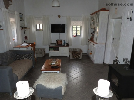 TRAD SPANISH FINCA, 2 BEDS, INCREDIBLE MOUNTAIN VIEWS