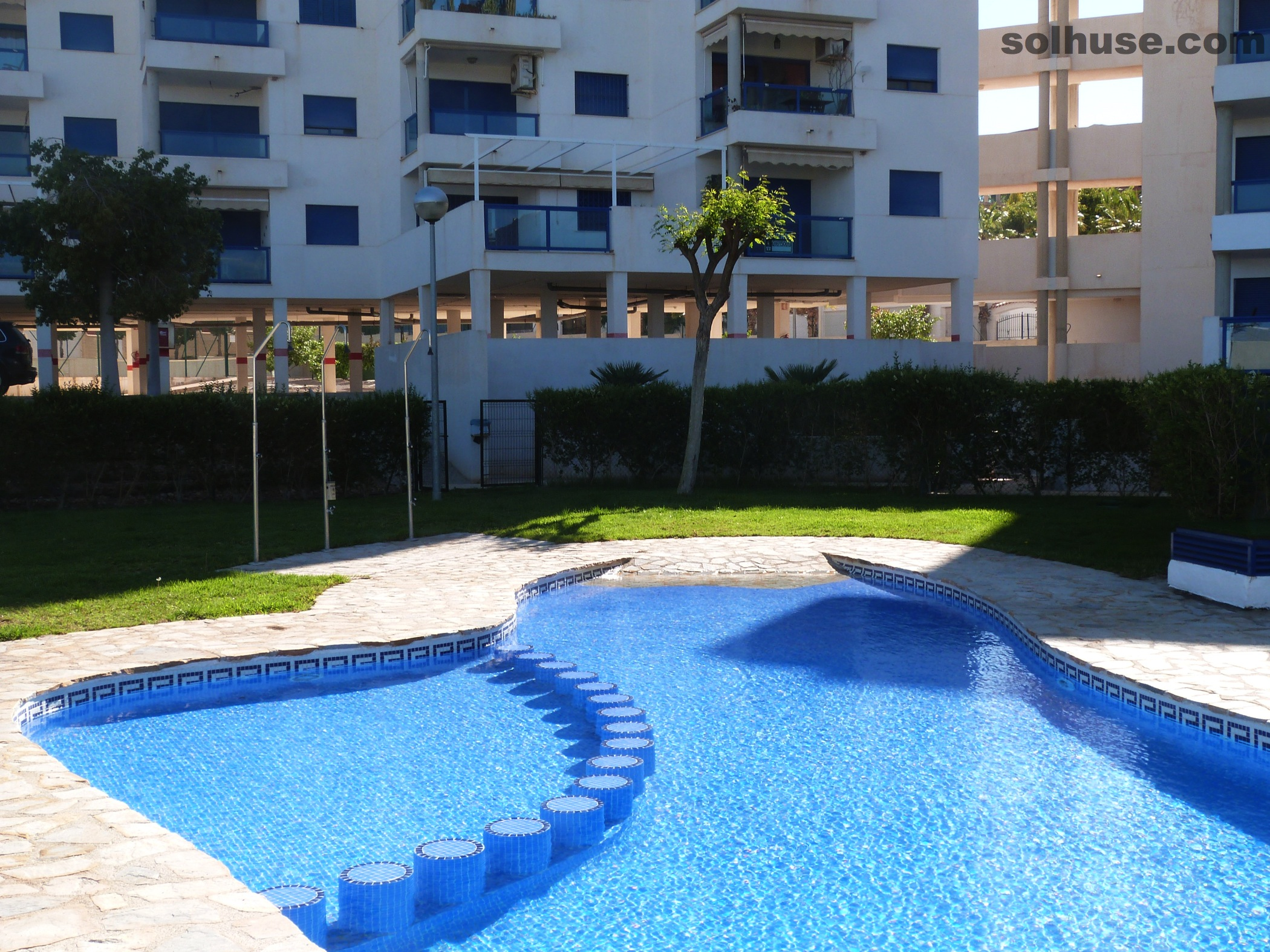 SPACIOUS APT, HUGE TERRACE,  COMMUNAL POOL & SEA VIEWS