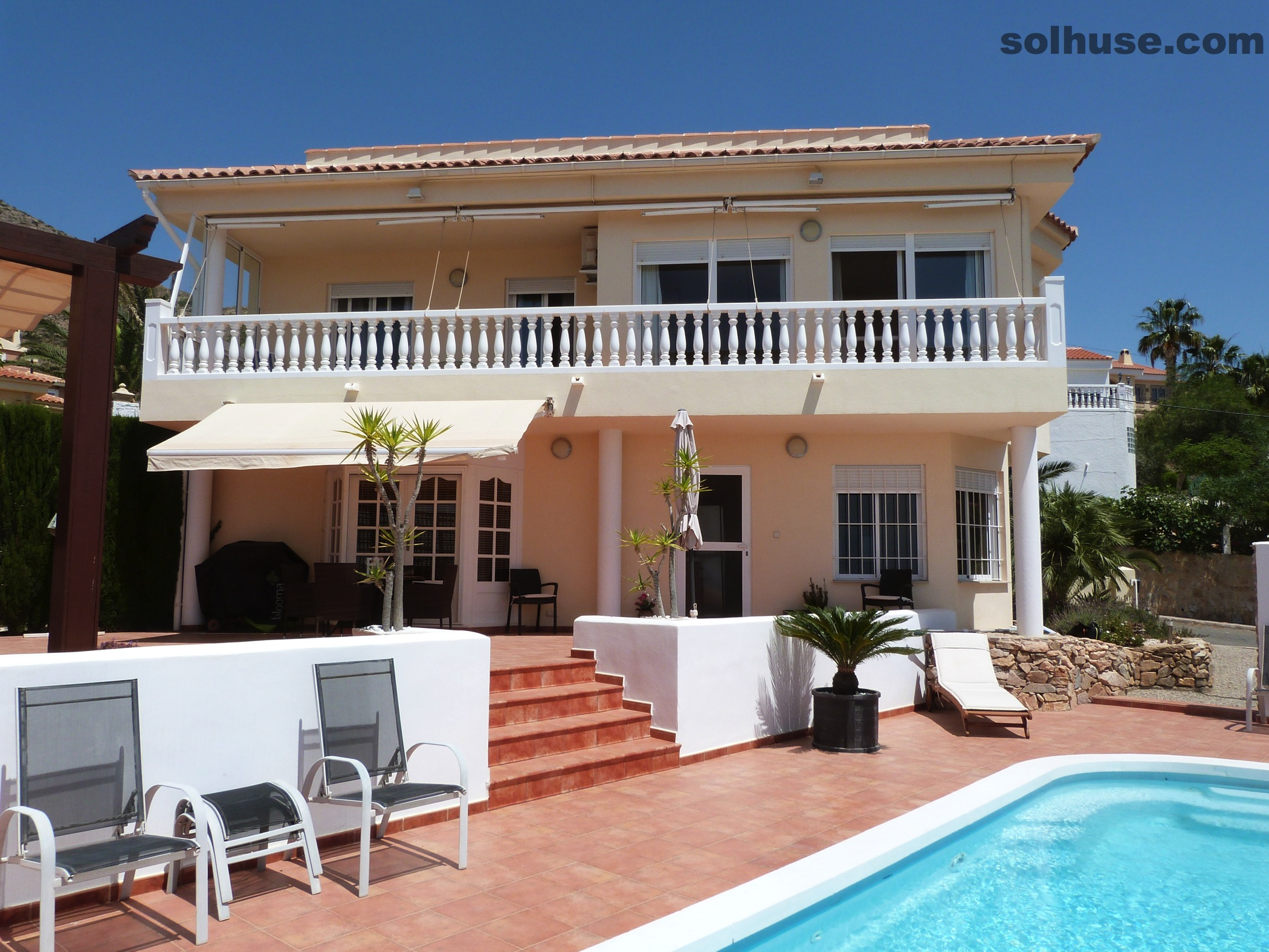 LUXURY DETACHED 4 BED, 3 BATH VILLA, POOL & OUTSTANDING SEA VIEWS