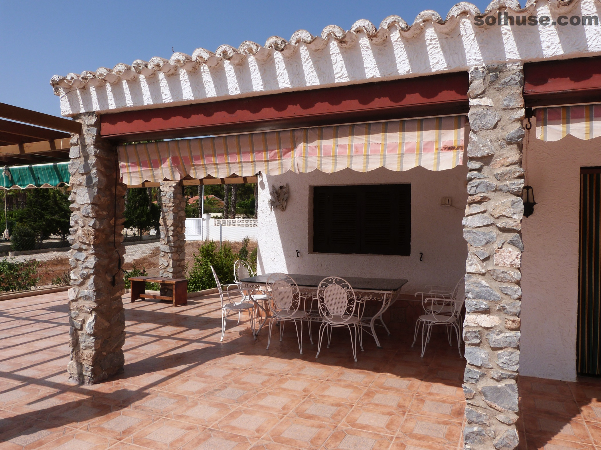 LARGE VILLA, PARTIAL SEA VIEWS, 6 BEDS, 3 BATHS IN SAN GINES