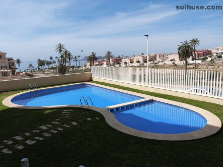 LUXURY MODERN 2 BED APARTMENT, COMMUNAL POOL  & SEA VIEWS