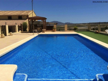 EXCEPTIONAL COUNTRY HOUSE, 7 BEDS, YOGA DOME & POOL