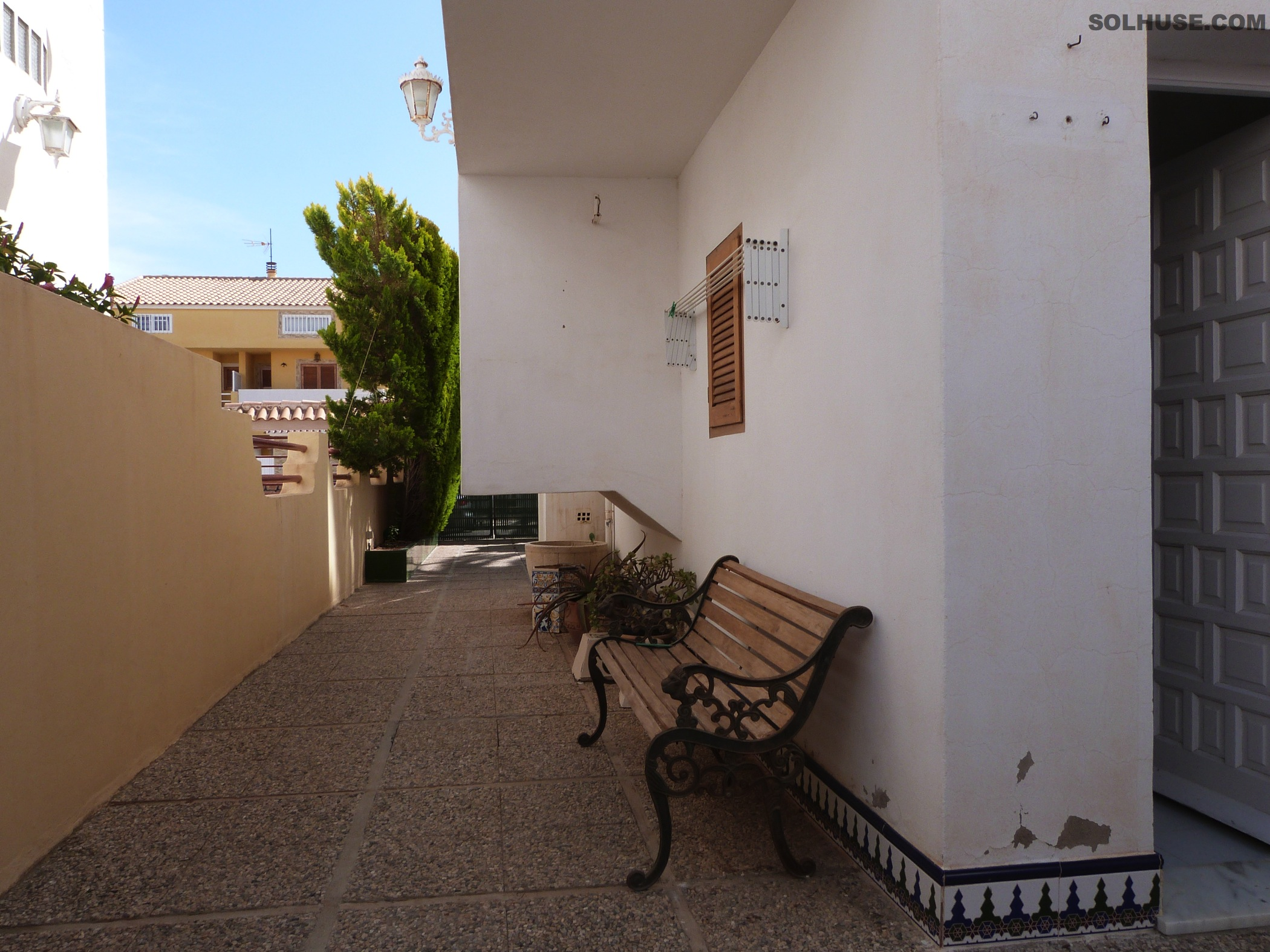 FABULOUS 4 BED SEMI-DETACHED VILLA JUST MINUTES TO THE BEACH