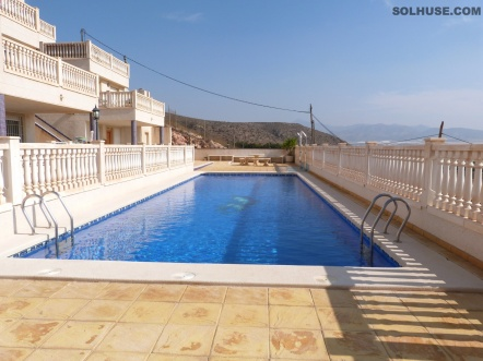 APARTMENT WITH 2 BEDROOMS, COMMUNAL POOL & SEA VIEWS