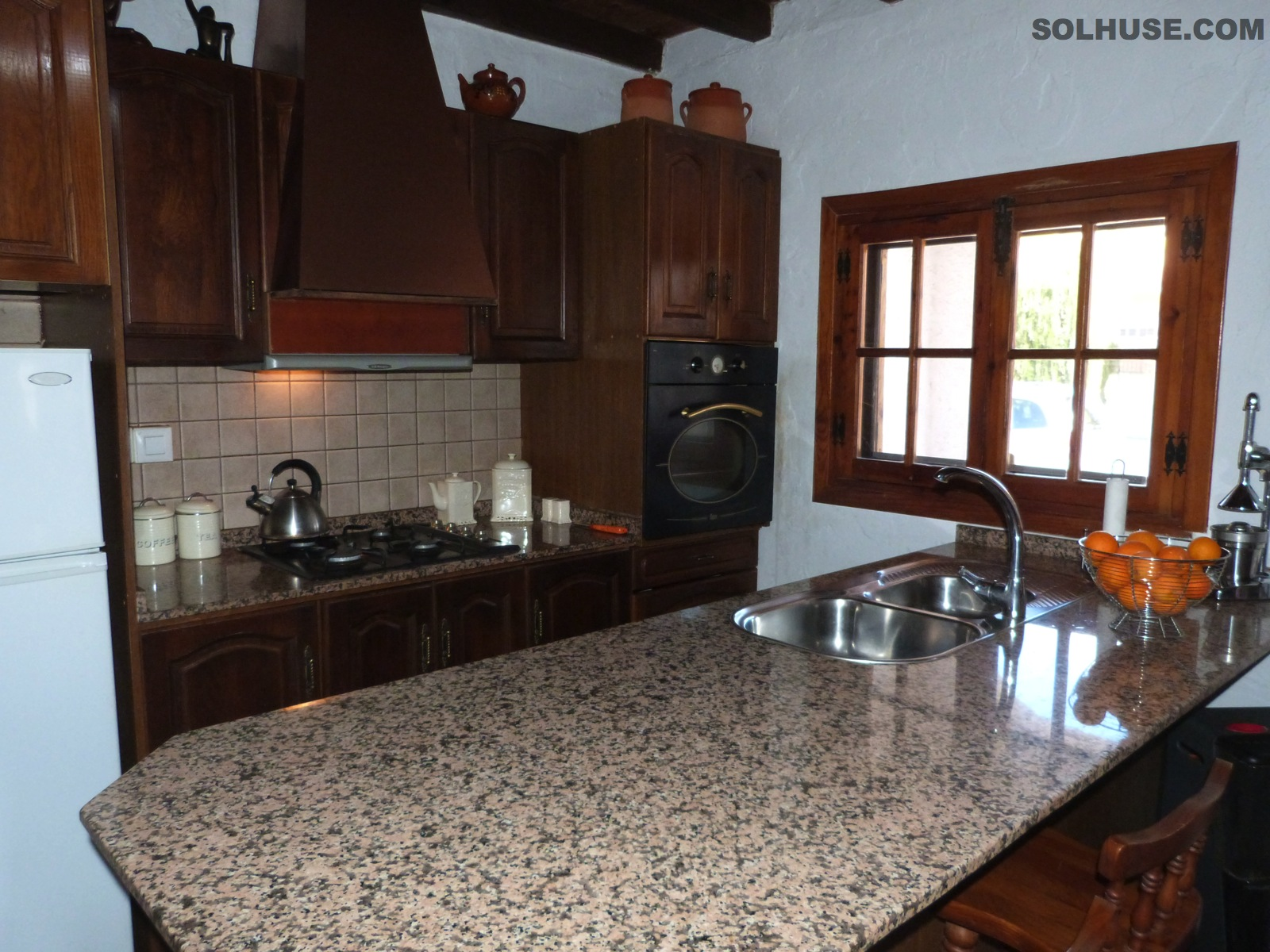 EXCEPTIONAL VILLA, 4 BEDROOMS, JACUZZI & CLOSE TO ALL AMENITIES
