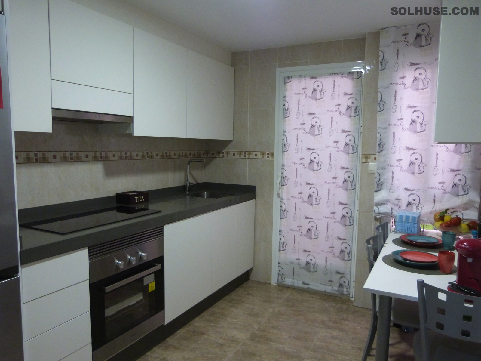 IMMACULATE SPACIOIUS 3 BEDROOM APARTMENT CLOSE TO ALL AMENITIES