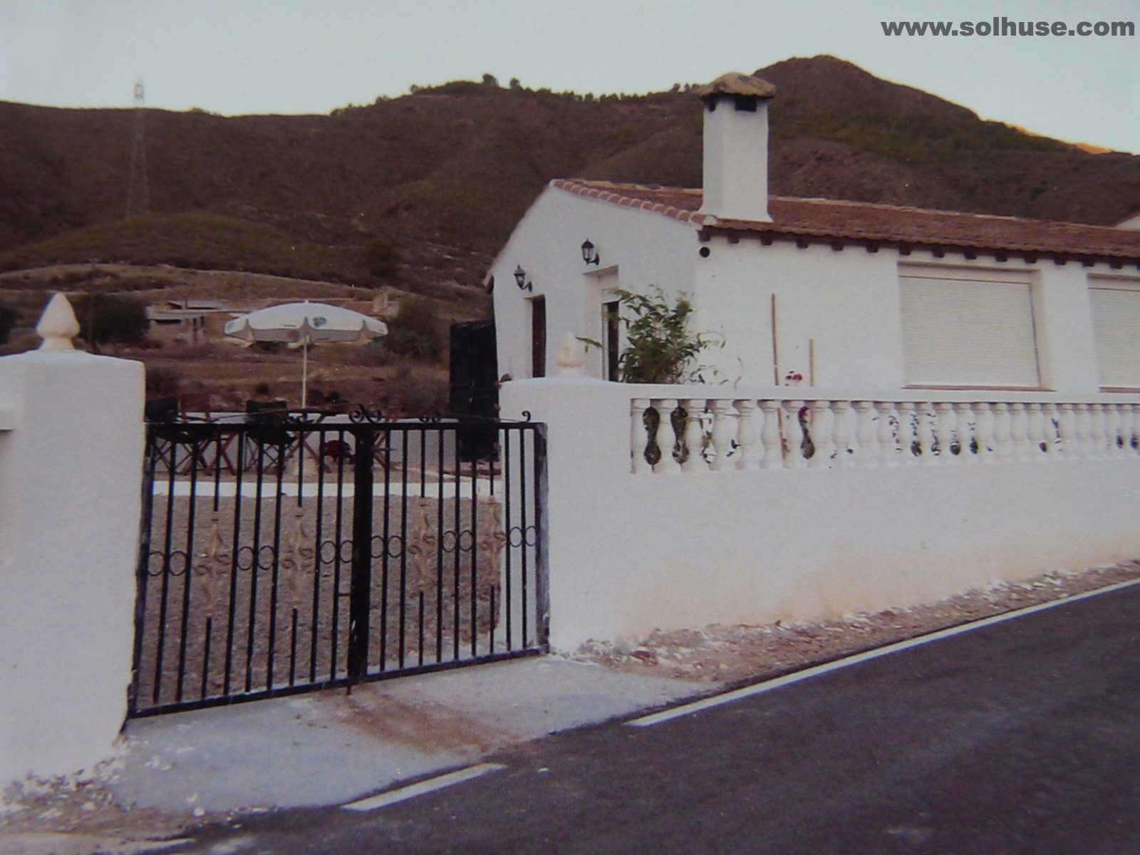 SPACIOUS FINCA, 3 BEDROOMS, 10 MINUTES DRIVE TO BEACH