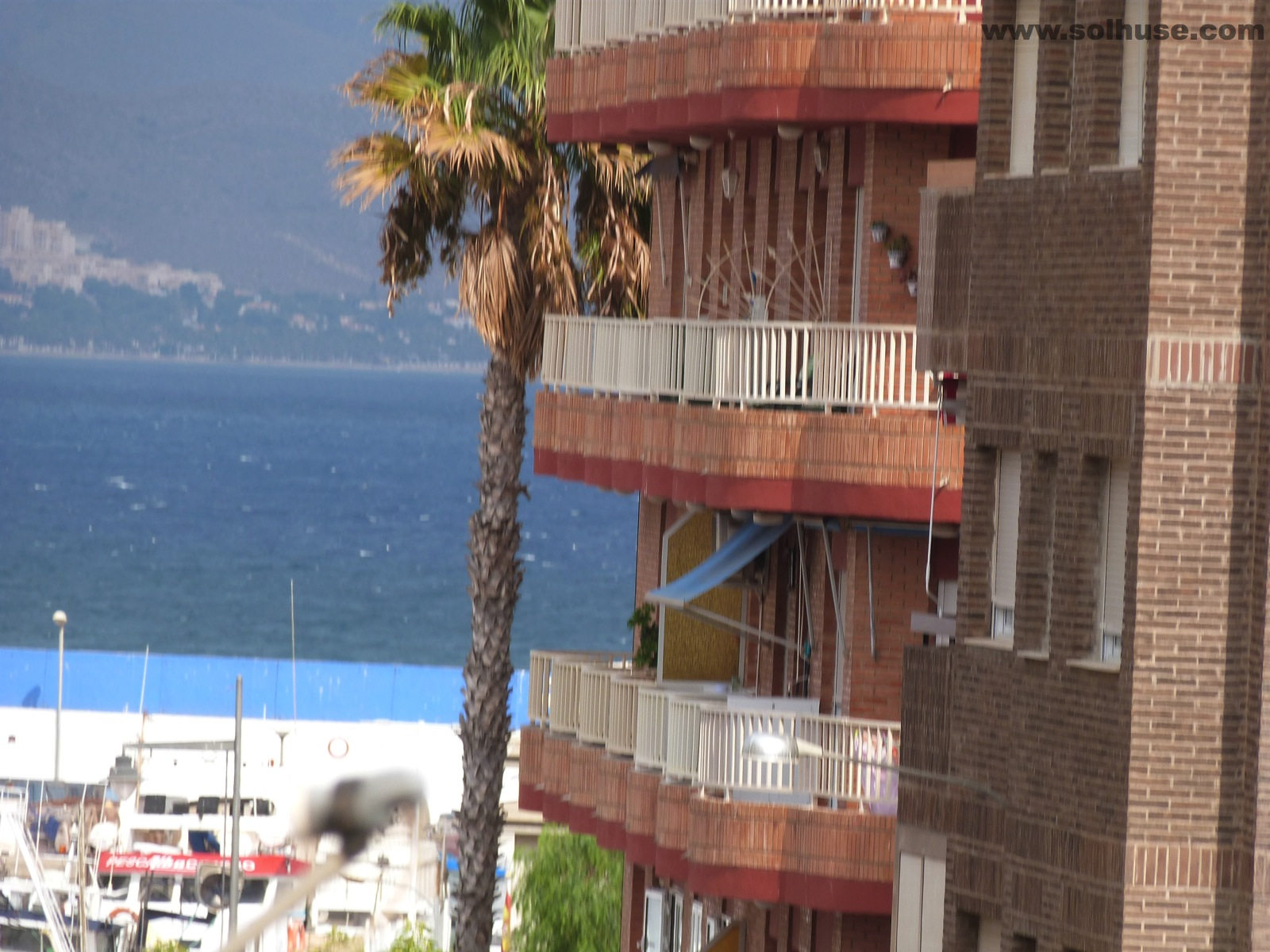 IMMACULATE LARGE APARTMENT, 3 BEDROOMs, SEA VIEWS