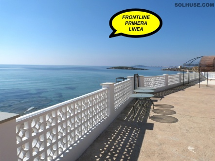 FRONTLINE VILLA!! BEACH JUST STEPS AWAY!! PANORAMIC SEA VIEWS!!