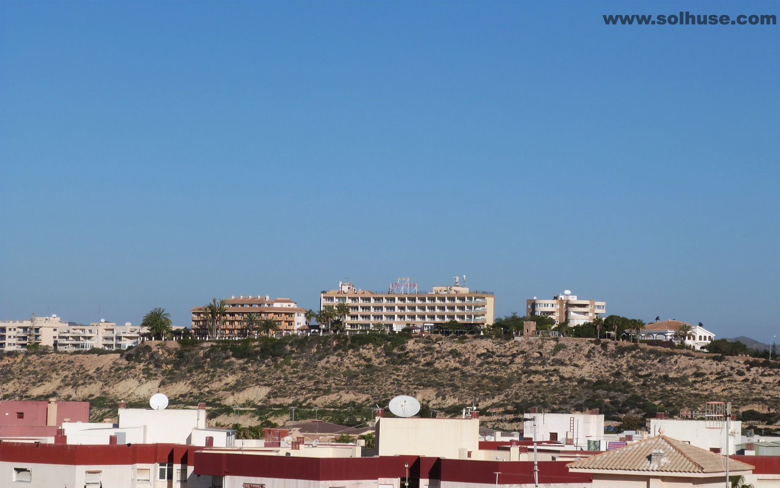 PENTHOUSE, 4 BEDROOMS, SEA VIEWS, MINUTES FROM PASEO