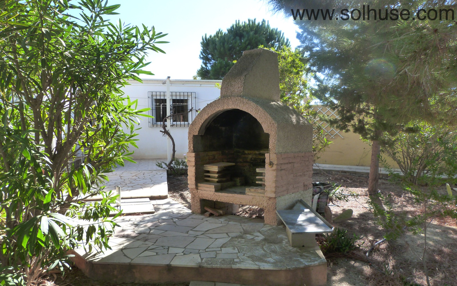 BEAUTIFUL LOCATION FOR 2 BED FINCA WITH ROOM TO EXTEND