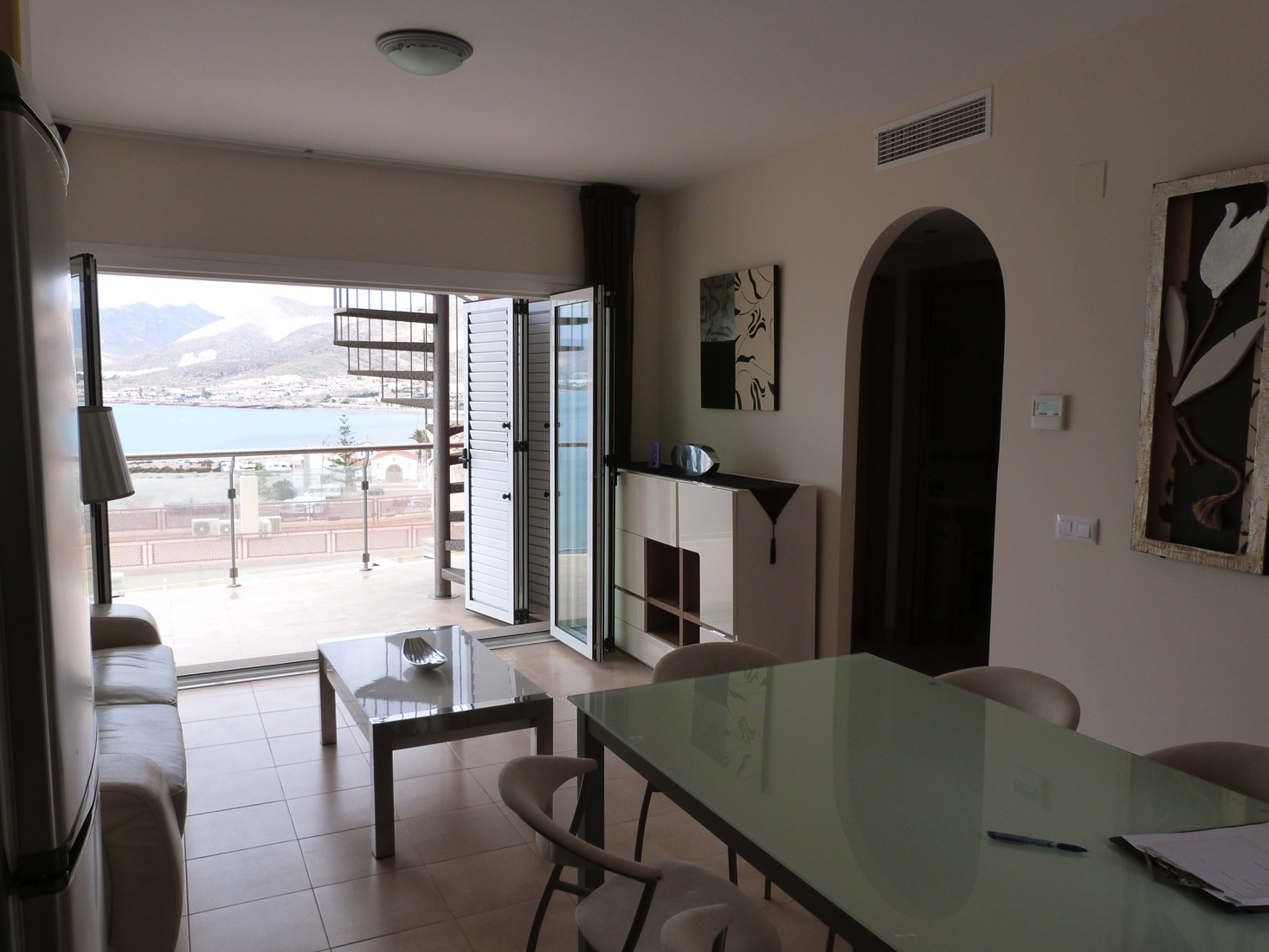 A 2 Bedroom Penthouse Apartment with Outstanding Sea Views